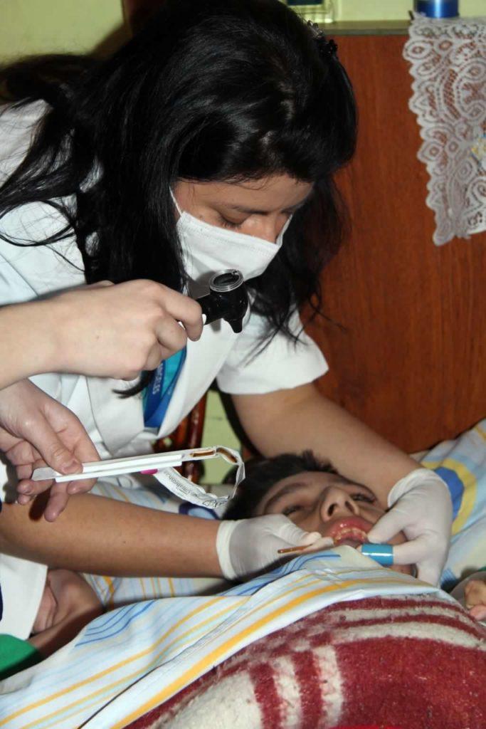 odontologo y dentista a domicilio en lima